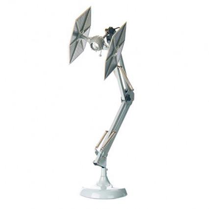 Une lampe de bureau Tie Fighter