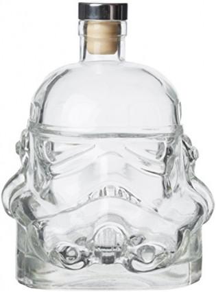 Une carafe à décanter en forme de Stormtrooper