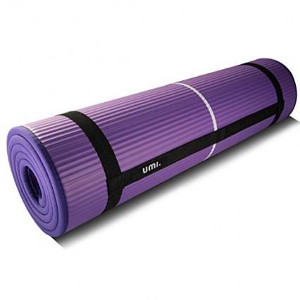 Un tapis de yoga