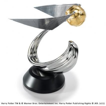 Une sculpture du vif d'or, la petite balle indispensable du Quidditch