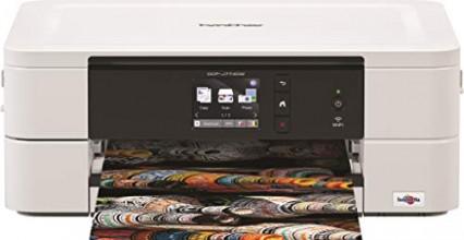 L'imprimante 3-en-1 Brother DCP-J774DW avec son écran couleur