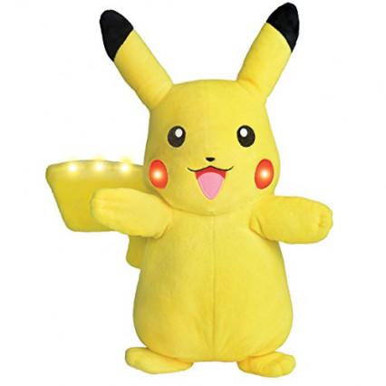 La peluche Pikachu avec effets lumineux et sonores