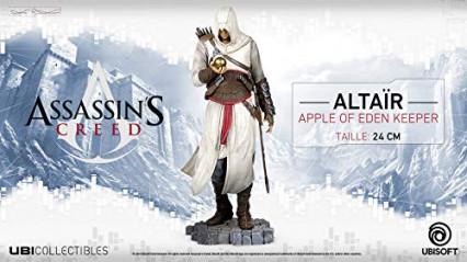 Une statuette d'Altaïr tenant la Pomme d'Eden
