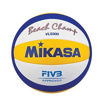 Un ballon de beach volley pour des échanges endiablés