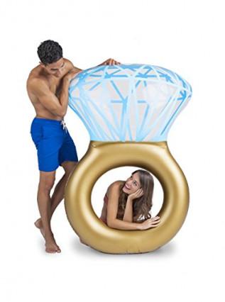 Une bouée gonflable en forme de bague