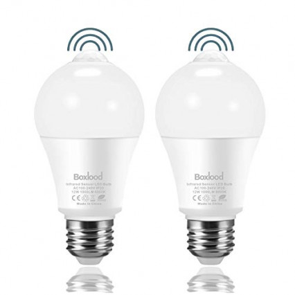 Les deux ampoules à détecteur de mouvement infrarouge PIR E27 par Boxlood