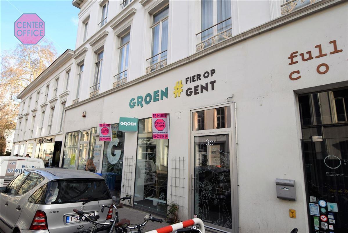 Commerciele winkel te 9000 Gent (België) - Prijs € 2.200