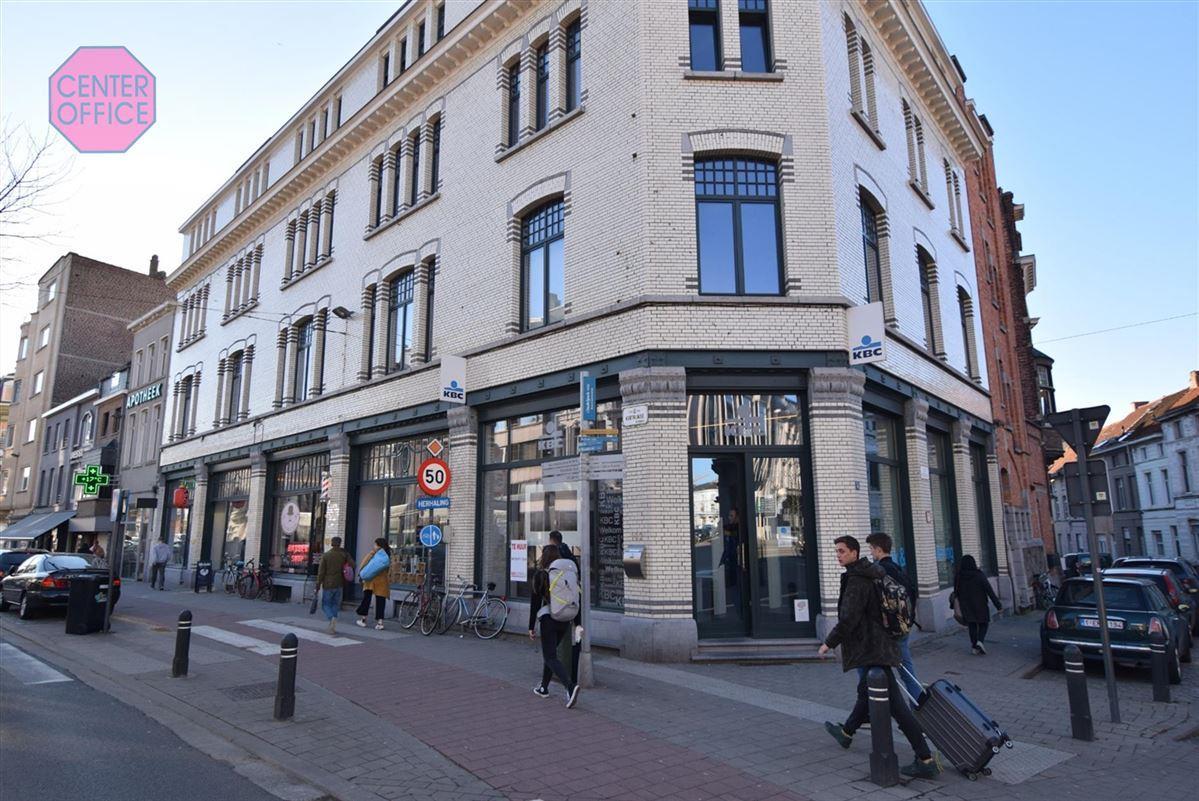 Servicekantoor te 9000 Gent (België) - Prijs € 2.950