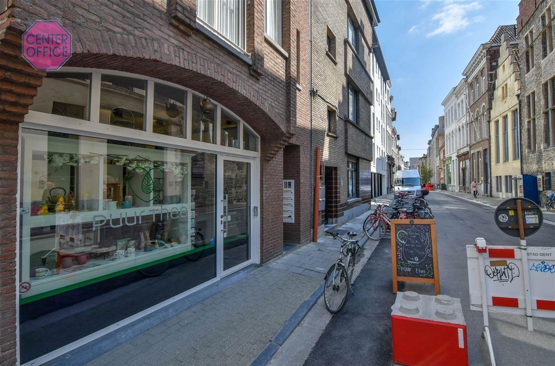 Handelsruimte te 9000 GENT (België) - Prijs € 1.750