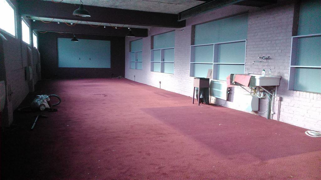 Foto 4 : Showroom te 9600 RONSE (België) - Prijs € 250