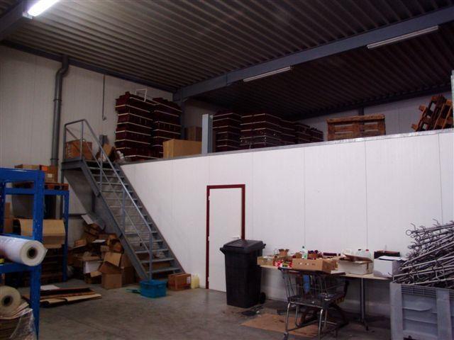 Foto 7 : Bedrijfsgebouwen te 9340 OORDEGEM (België) - Prijs € 1.650