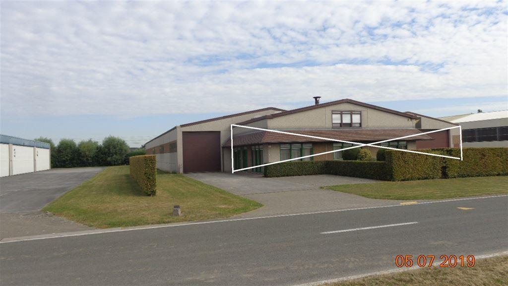 Foto 1 : Magazijn te 8560 WEVELGEM (België) - Prijs € 1.400