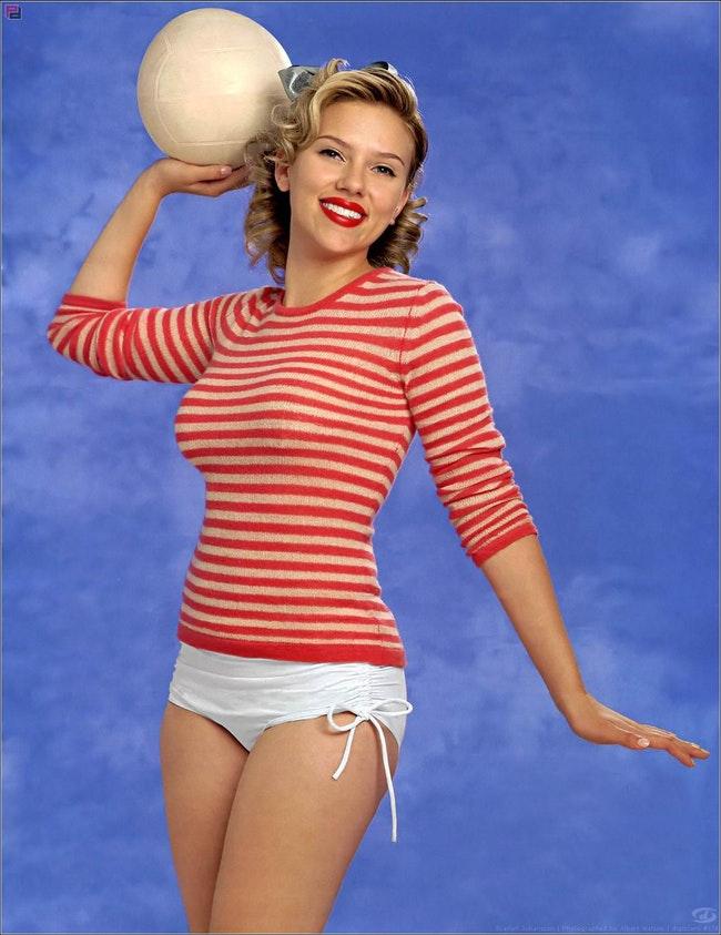 59e77a7933ceb   - Les plus beaux looks de Scarlett Johansson (par années)