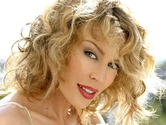 59f0df0aaf8c0   - Qui est la meilleure chanteuse pop?
