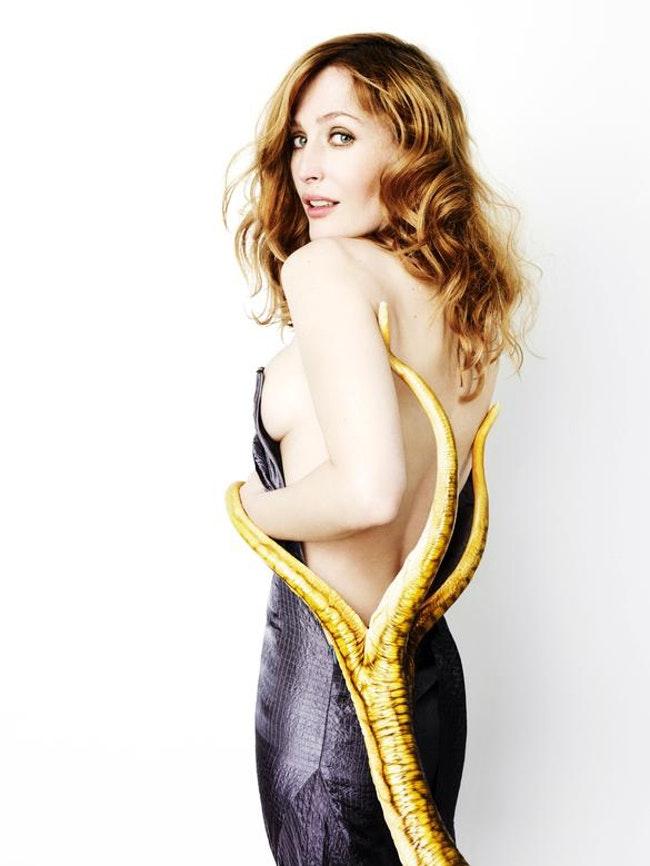 59f0e80078a38   - Les photos de Gillian Anderson les plus sexy