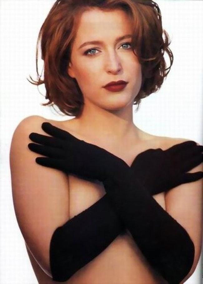 59f0e803937ae   - Les photos de Gillian Anderson les plus sexy
