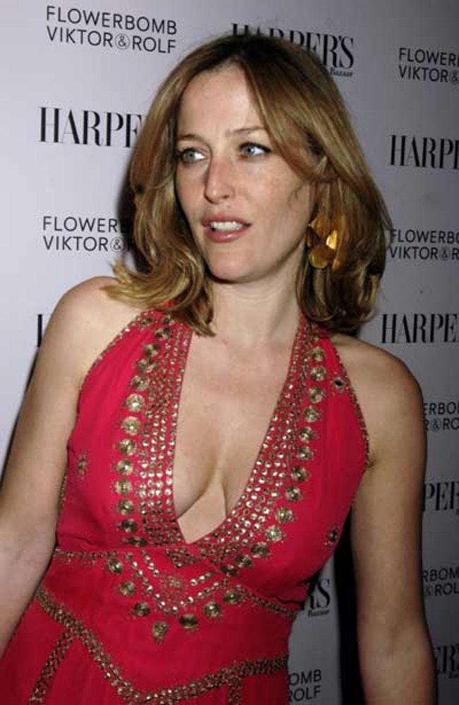 59f0e80890137   - Les photos de Gillian Anderson les plus sexy