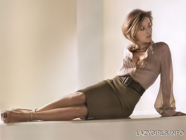59f0e80b8d349   - Les photos de Gillian Anderson les plus sexy