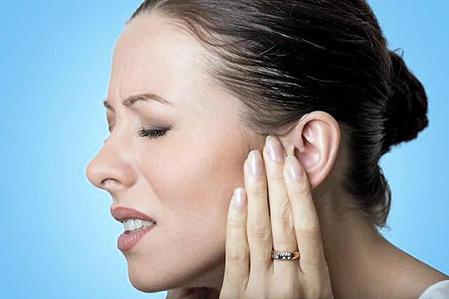 1469855805 earache remedies - Did You Know You Could Use VapoRub For Earaches - And More?