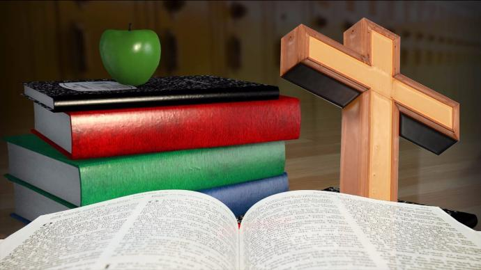 1280x720 16031006 X0DTY - State Passes Law Letting Teachers Use Bibles In The Classroom. Do They Have Your Support?