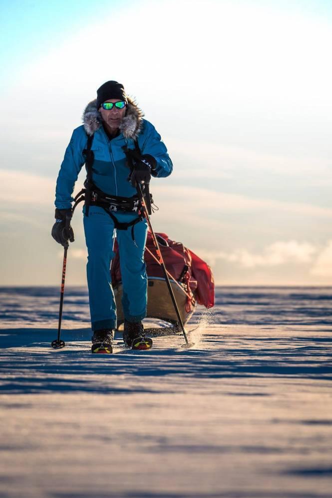 3f667 - Il devient le premier homme à traverser l'Antarctique en solitaire