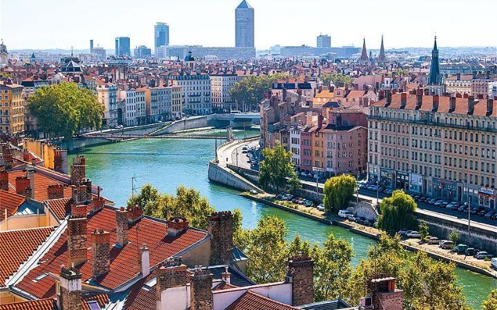 lyon 2519897a large - Et voici les 3 villes de France où il fait bon vivre…Alors, on déménage quand?
