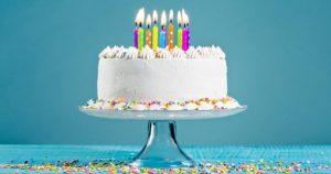 1e birthday cake 512474604 300x158 - Top 9 des signes qui montrent que ça y est, vous êtes vieux !