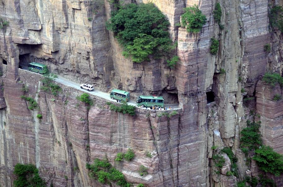 316455 crazyroads06 900 6e2f867251 1484142741 - Envie de voyage ? Embarquez sur une des 5 routes les plus dangereuses au monde !