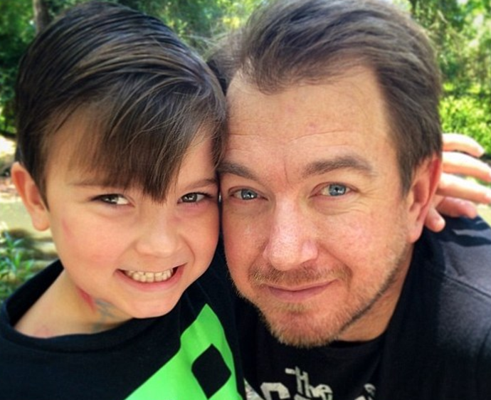 8 1 - 「この子に見覚えはありますか?」・・10年前、写真で父の命を救ったネット上のスター!