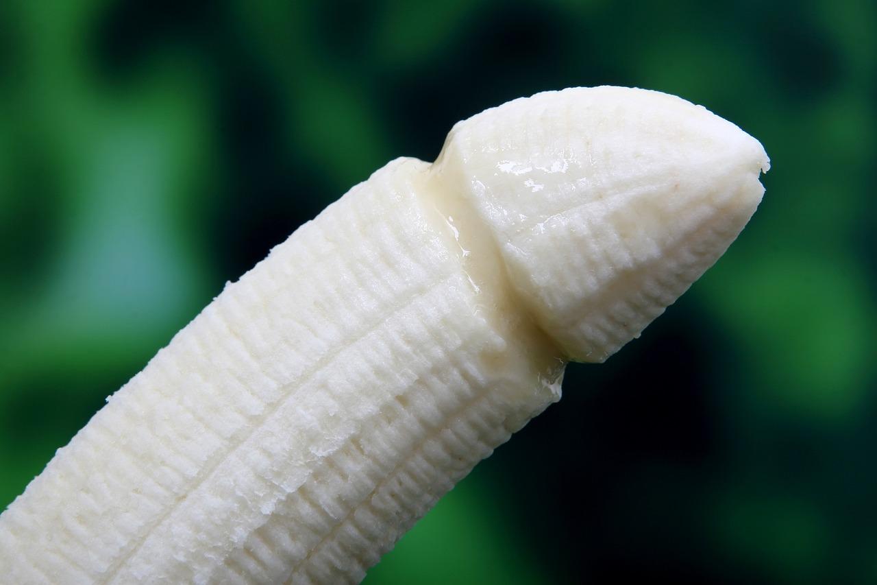 banana 1238713 1280 - 聞いてみた!初体験で初めて挿入した女性の感想
