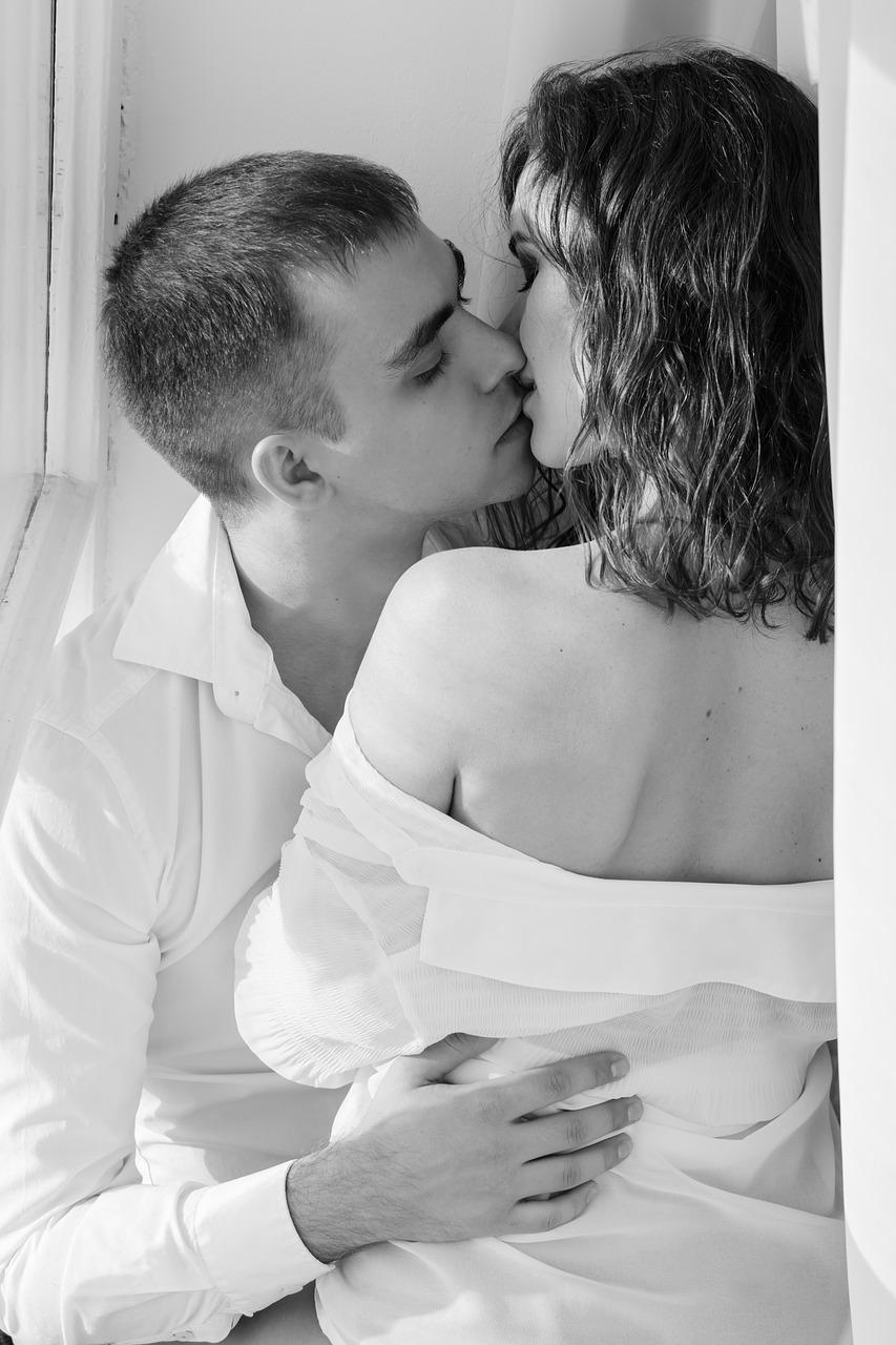 kiss 1858088 1280 - 聞いてみた!初体験で初めて挿入した女性の感想