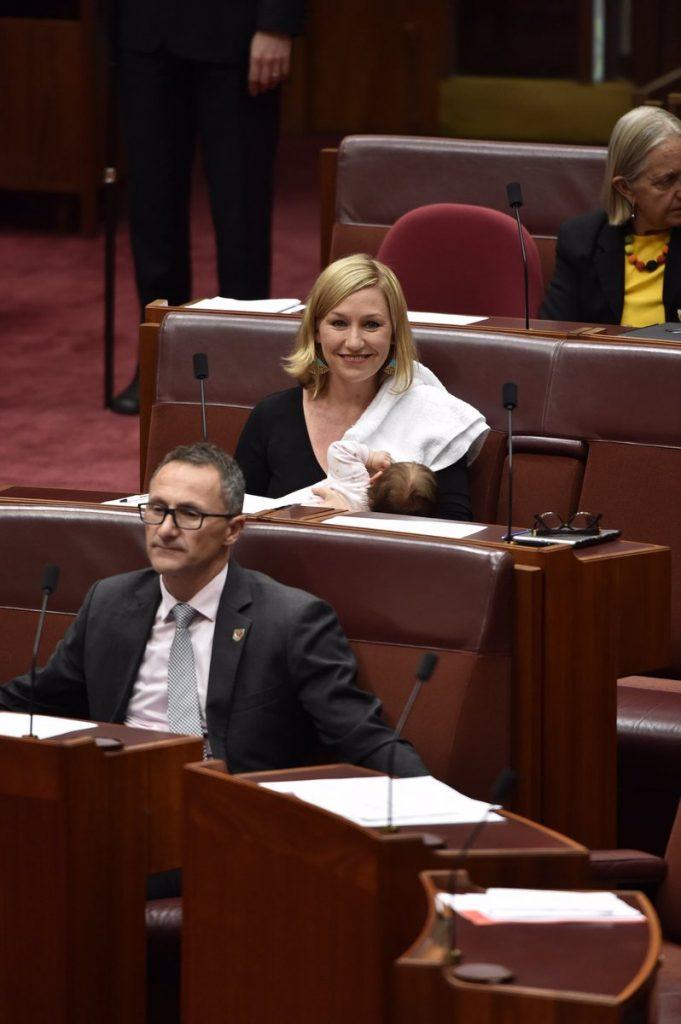 larissa waters 681x1024 - Cette sénatrice australienne allaite son bébé au Parlement et rentre dans l'Histoire