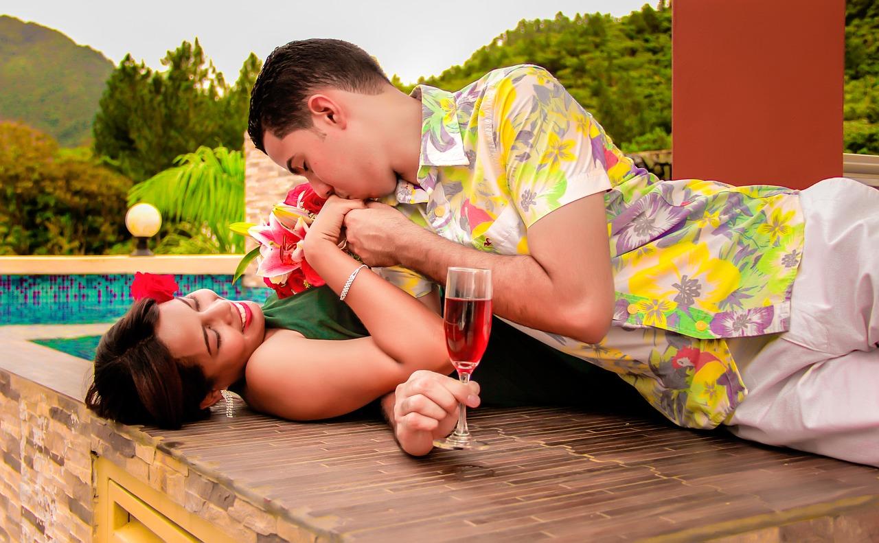 wedding 1612681 1280 - キスする場所が意味することとは…?キスの深層心理 7選
