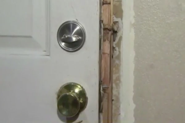door savannah 2 - Girl Hears Banging On Door. Hours Later, Mom Receives A Chilling Text From The Bathroom