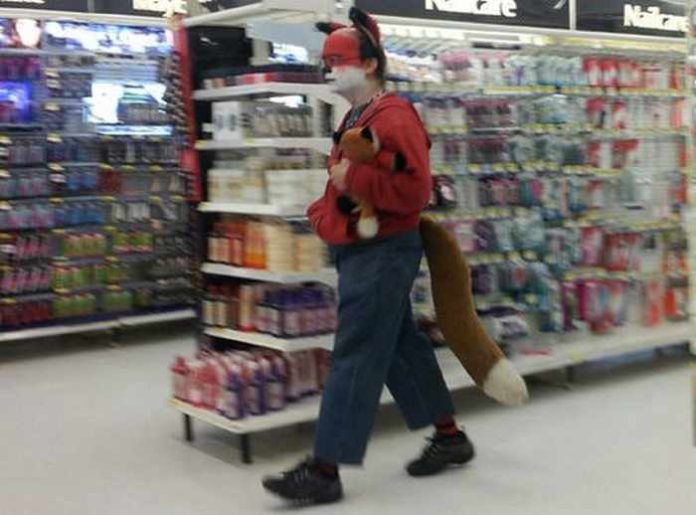1 peopleofwalmart - 44 Funny Photos of the Strangest, Most Unusual Shoppers from Walmart