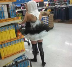 28 peopleofwalmart - 44 Funny Photos of the Strangest, Most Unusual Shoppers from Walmart