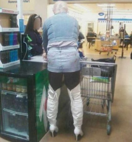32 peopleofwalmart - 44 Funny Photos of the Strangest, Most Unusual Shoppers from Walmart
