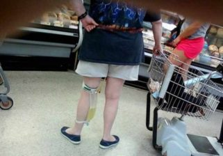 35 peopleofwalmart - 44 Funny Photos of the Strangest, Most Unusual Shoppers from Walmart