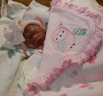 4 24 - 生後12日の新生児を窓から投げ出したお母さんの話…