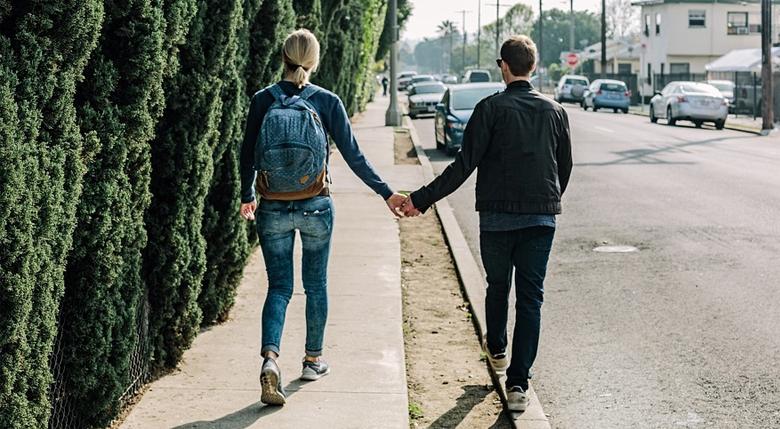 4 41 - 남자친구가 당신을 진정으로 사랑할 때 보이는 10가지 행동