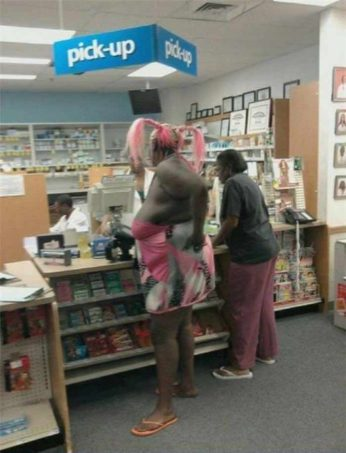 42 peopleofwalmart - 44 Funny Photos of the Strangest, Most Unusual Shoppers from Walmart