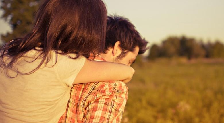 6 20 - 남자친구가 당신을 진정으로 사랑할 때 보이는 10가지 행동