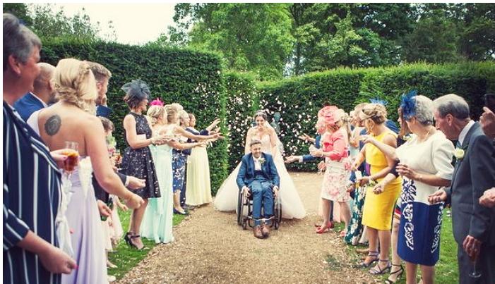 article 1 2 1 - 전신마비의 신랑이 결혼식 날 춤 출 수 있었던 감동적인 사연