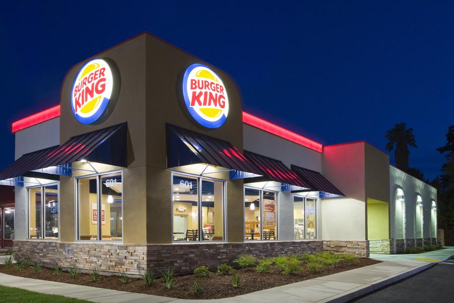 burger king - 팁으로 100달러를 받은 버거킹 알바생의 사연