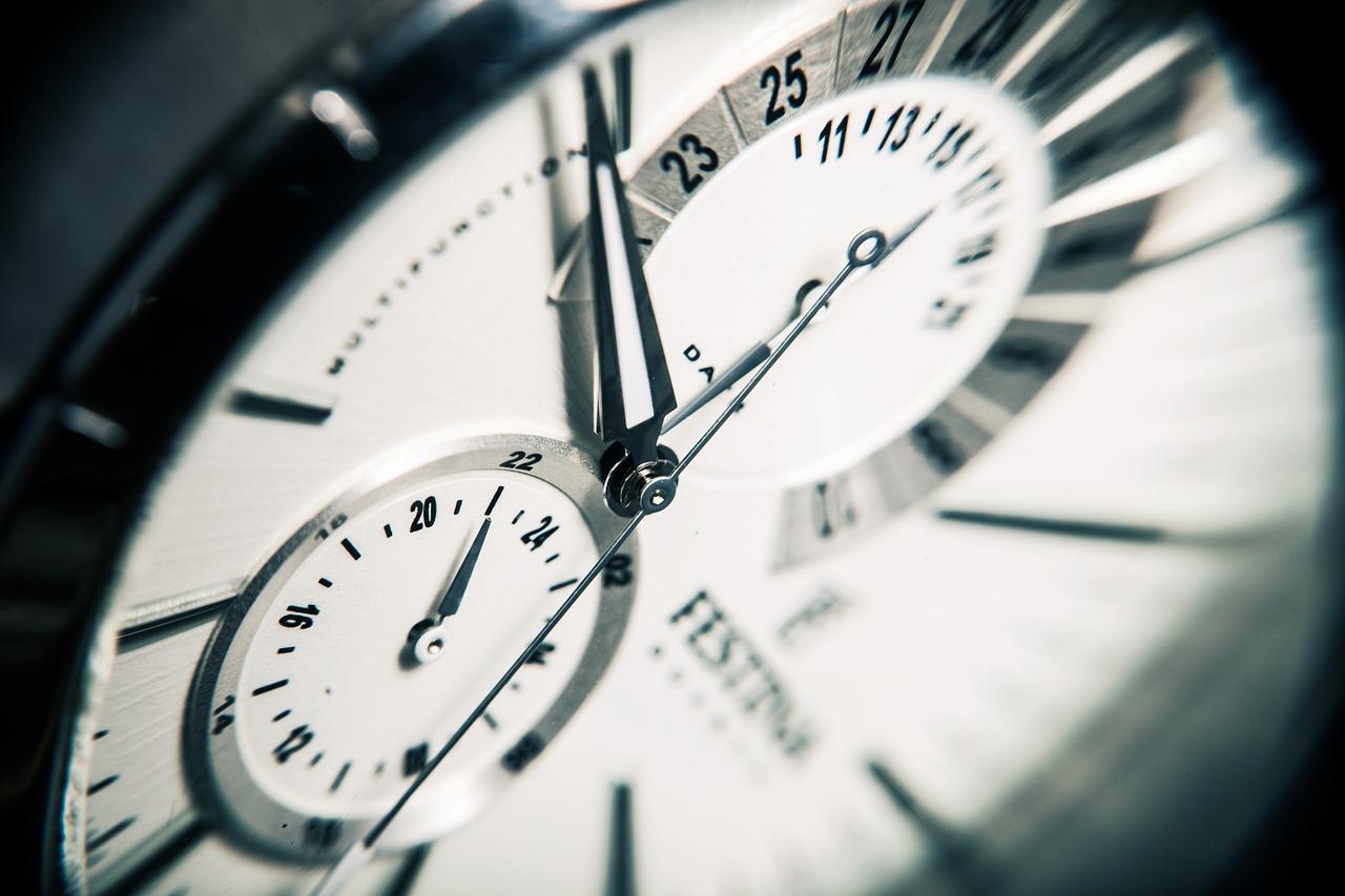 clock 407101 1280 - 【超簡単】 クラブナンパお持ち帰りできる方法まとめ