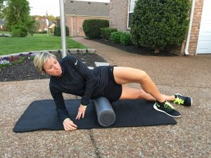 foam rolling1 300x225 - Stranger Snaps Photos Of Mom To Shame Her. But Mom Is Never Letting It Happen