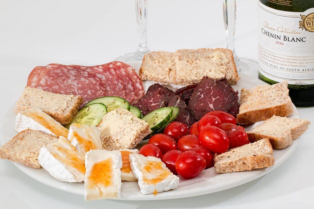 food-platter-2175326_1280