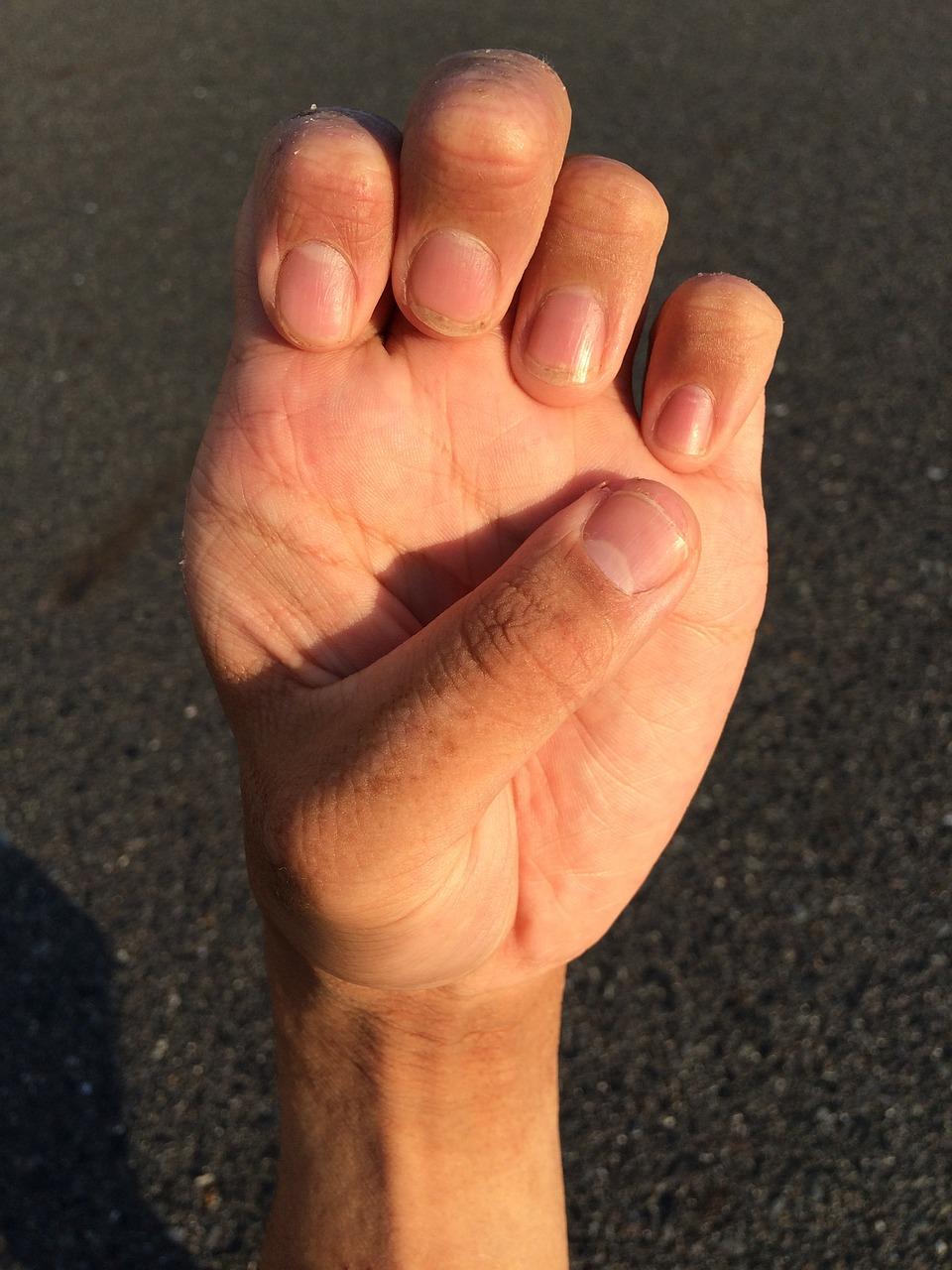 hand 1701954 1280 - 死んでもいいほど気持ちいい!前立腺の刺激の開発方法まとめ