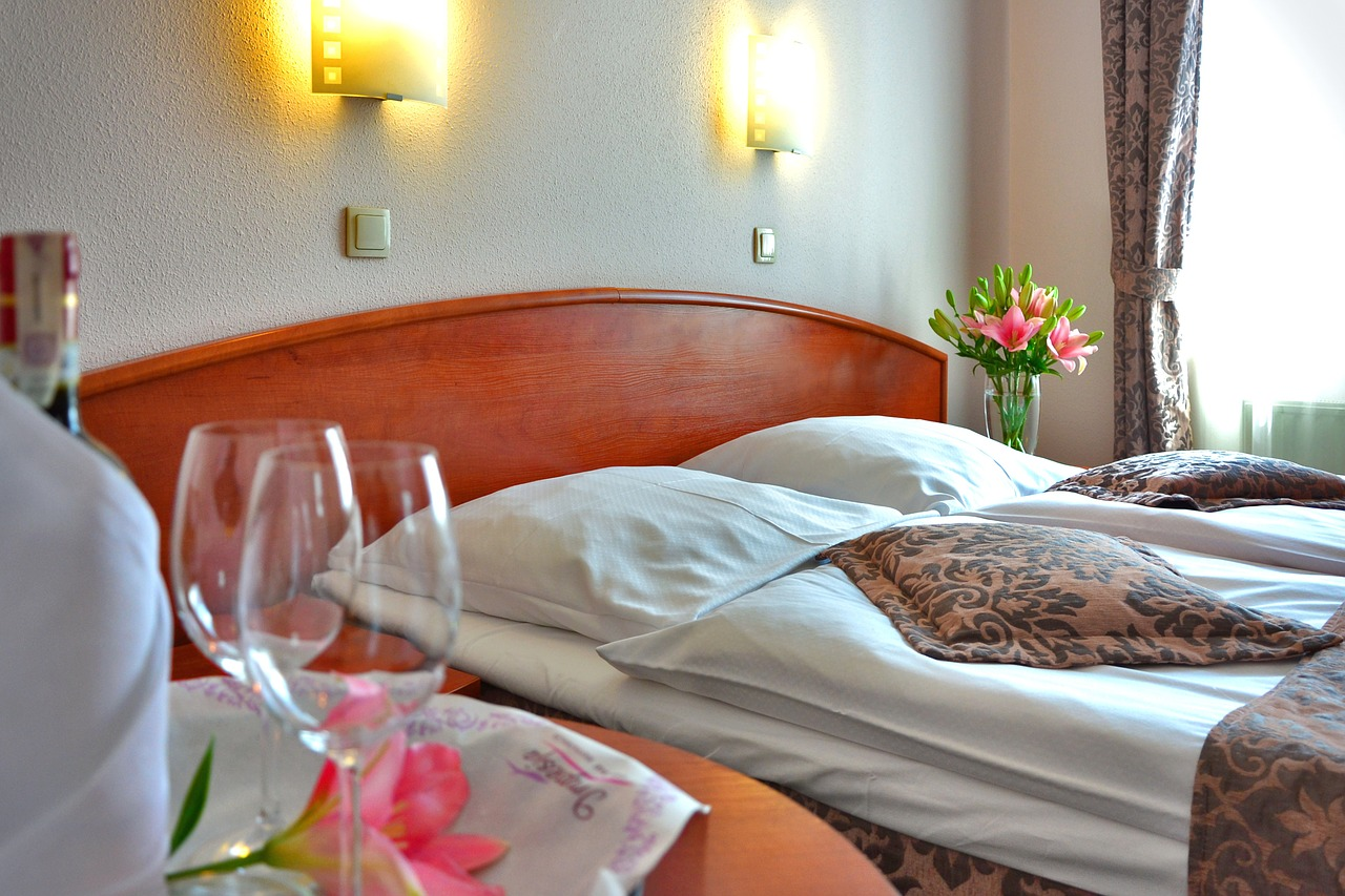 hotel room 1261900 1280 - 【超簡単】 クラブナンパお持ち帰りできる方法まとめ