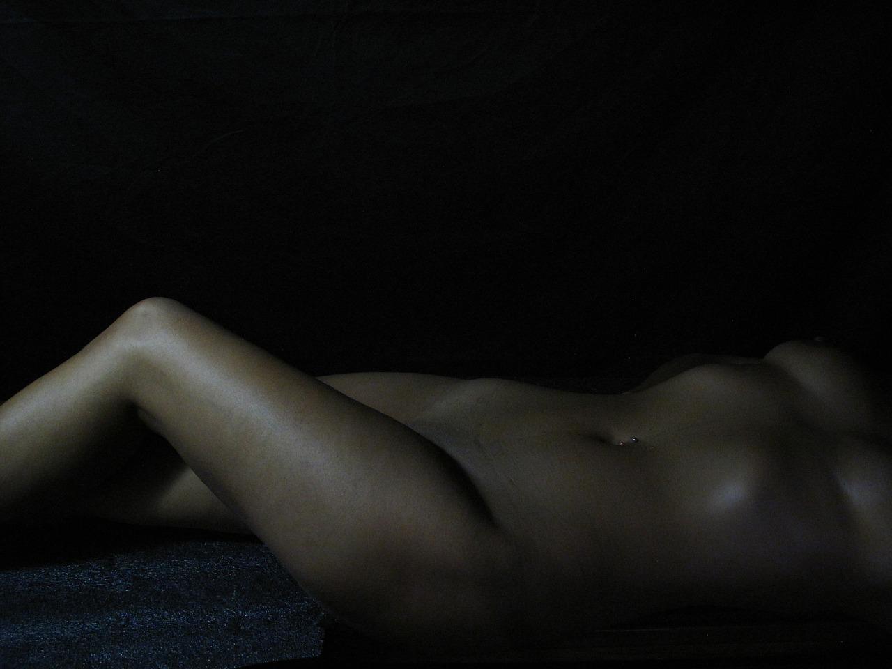 lying-down-1988939_1280